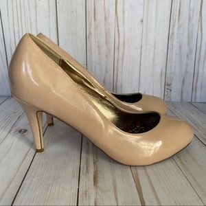 Madden Girl Nude faux patent leather pumps heels 8